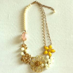 Anthropologie Flower and Pearl Necklace